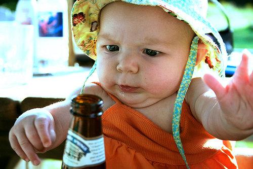 bebe-garrafa-cerveja