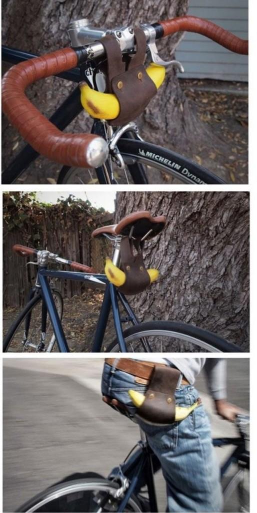 coisas bizarras bicicleta preta com guidão marrom com banana pendurada.