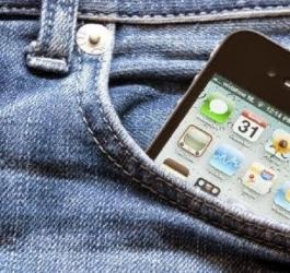 Celular no bolso da frente pode deixar homens inférteis