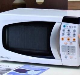 Coisas que seu microondas faz e que você não sabia