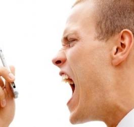 Coisas que as mulheres fazem e que irritam os homens