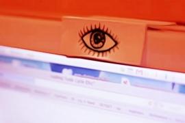 Por que devemos cobrir nossas webcams?