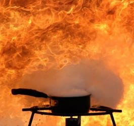 Você sabia que é possível fritar água?