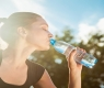 O que acontece quando você bebe apenas água por 30 dias?