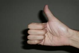 7 gestos comuns que você não pode fazer em alguns lugares do mundo